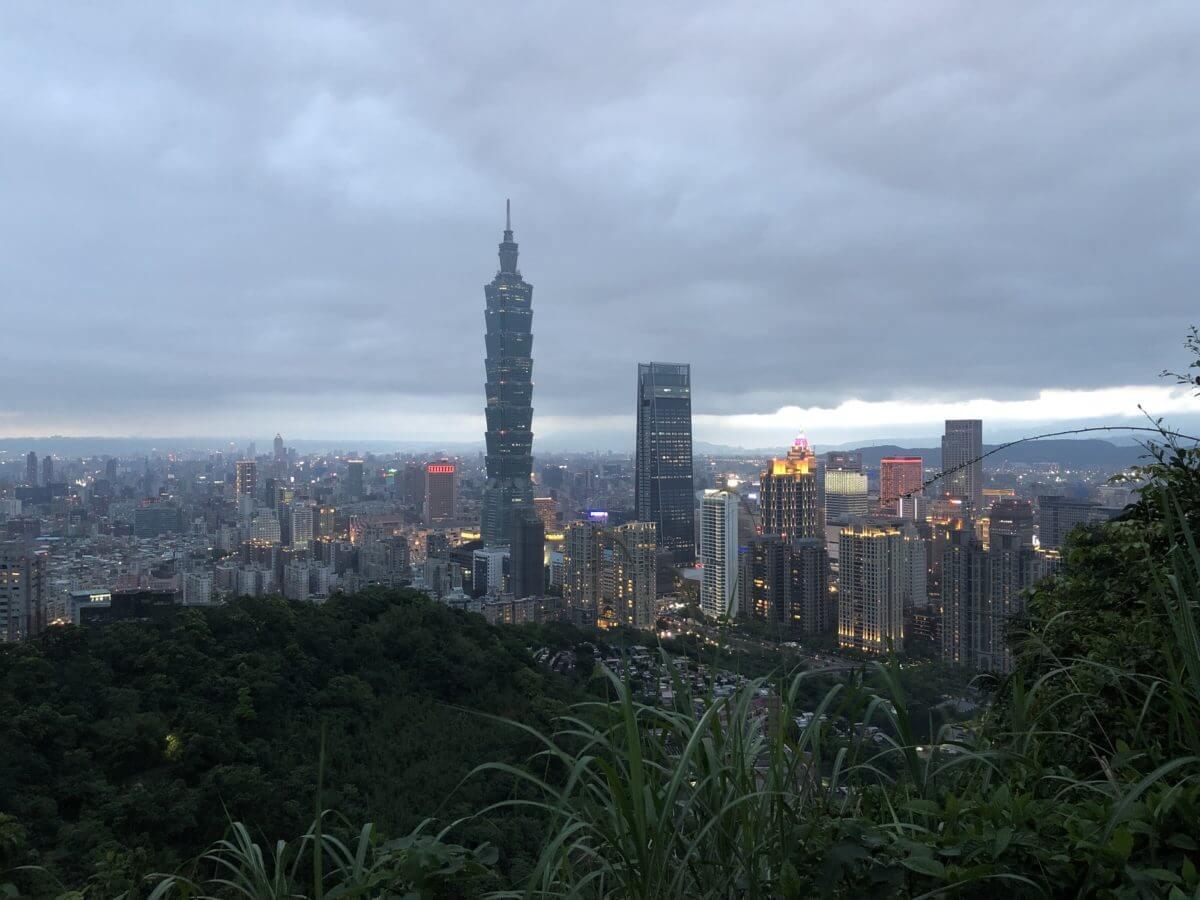 【台北 信義】象山に登って「台北101」を眺望しよう(+タイ式マッサージで疲れを癒やす)