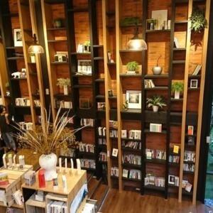 【一期一會】珍惜每一次與書的相遇〜會消失的「和平青鳥書店」