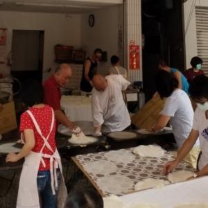 【台湾 食生活】四月清明節の時、潤餅を食べる習慣