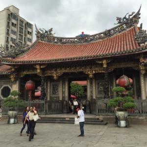 龍山寺 ~ 台北必去的三大觀光景點,台北寺廟之美巡禮!